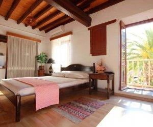 alexandra-pension-hotel-kastelorizo-double-room-with-balcony-02.jpg